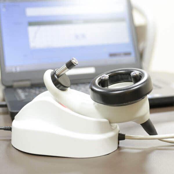 新生児聴覚スクリーニング機材